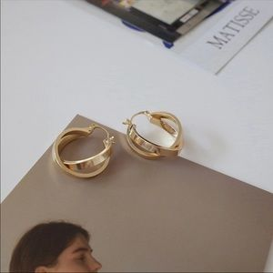 CALI ✨ Gold Double Hoop Dainty Vintage Earrings